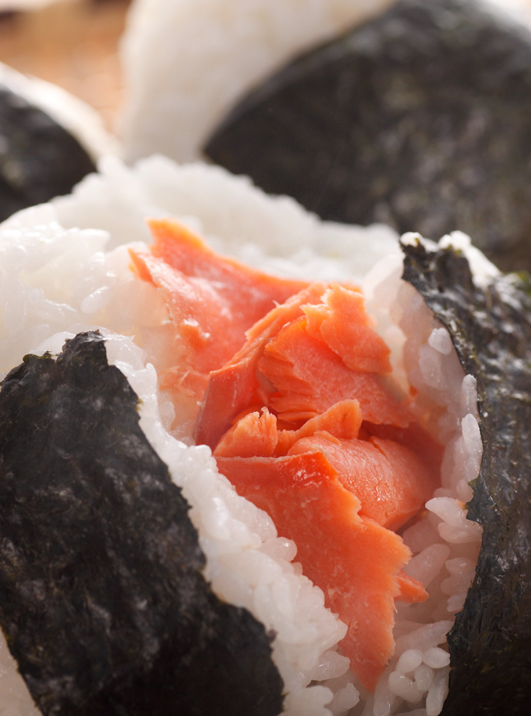 紅鮭おむすび